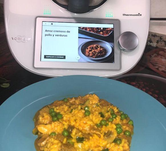 Arroz cremoso de verduras y pollo